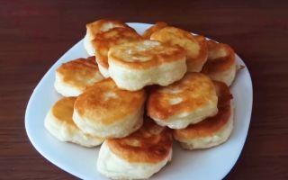 Оладьи на кефире пышные и вкусные – лучшие рецепты с фото