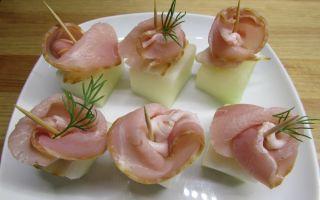 Дыня с сыровяленой ветчиной – рецепт закусочных рулетиков