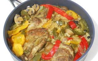 Тушеная свинина в мультиварке с овощами или грибами: рецепты с фото